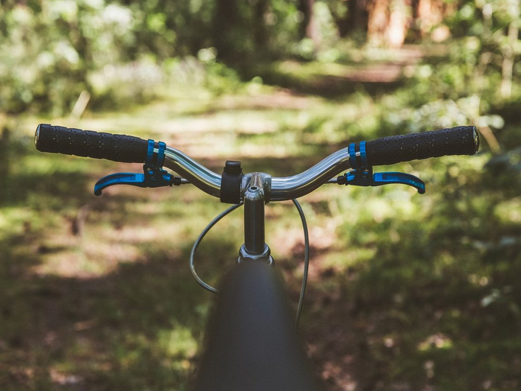 bicycle-blur-brakes-210893